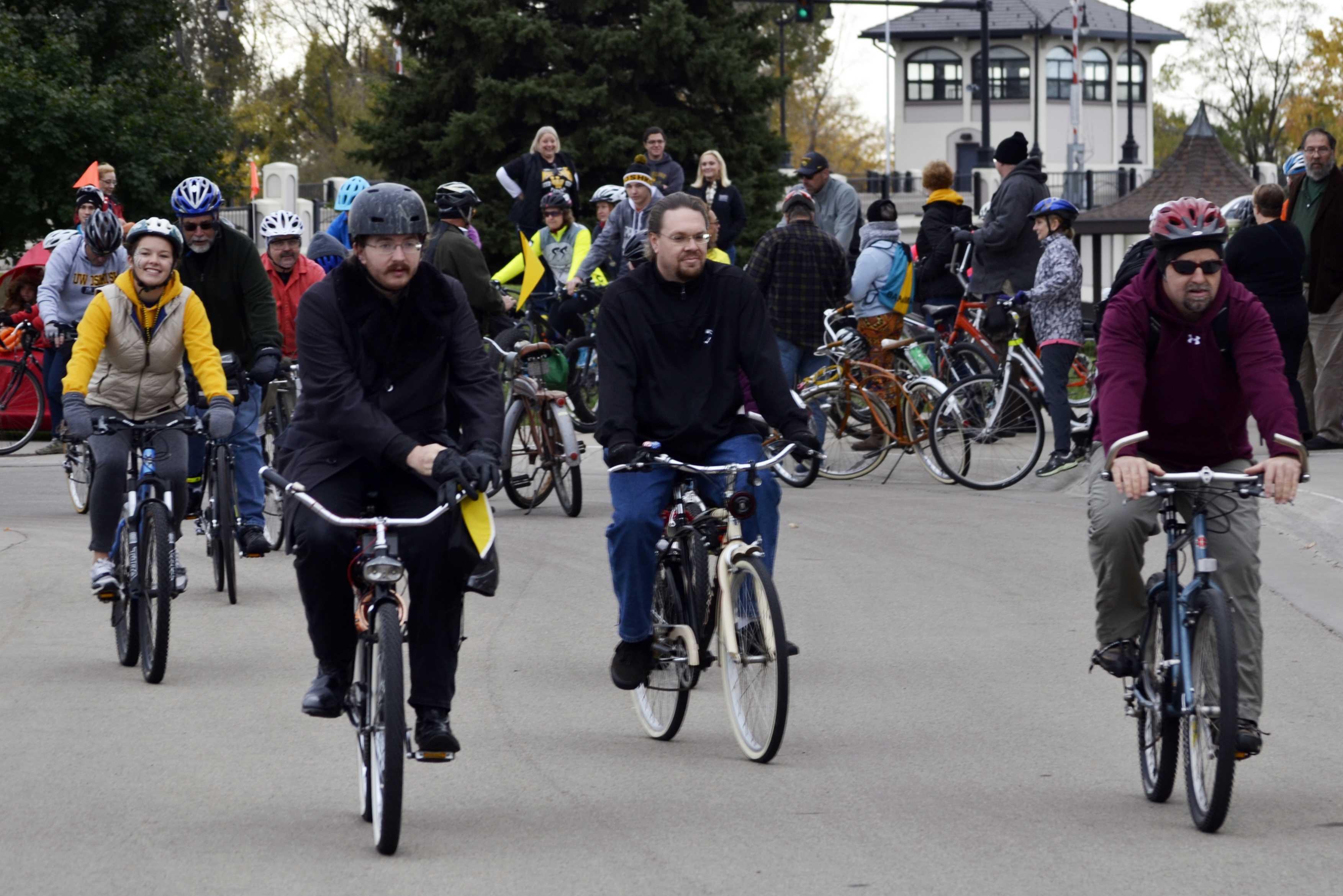 Tour de Titan pedals through Oshkosh