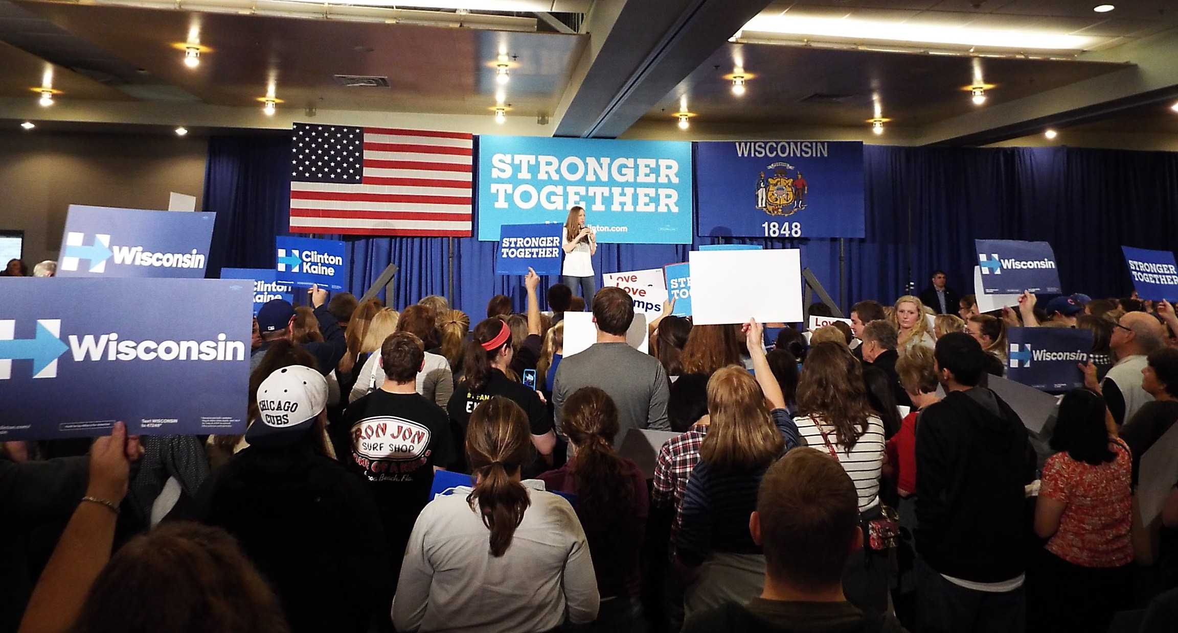 Chelsea Clinton visits Oshkosh campus