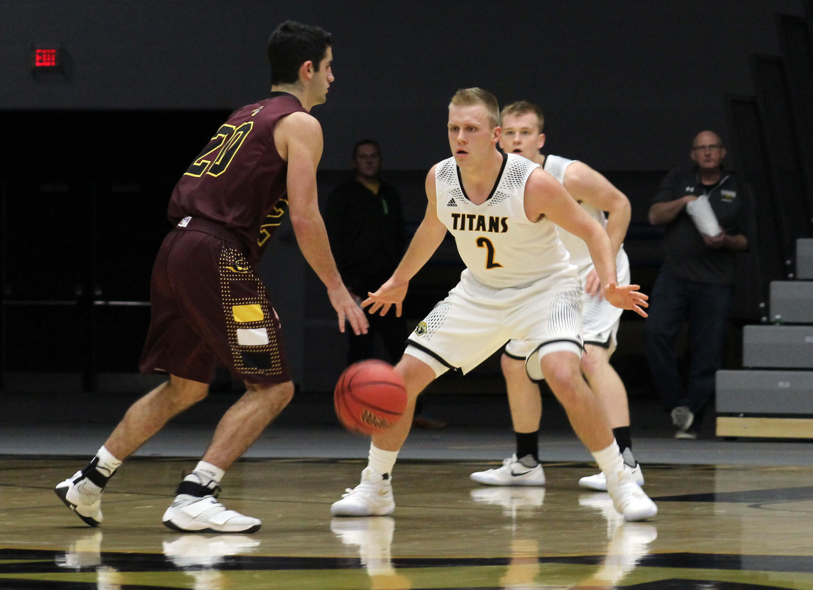 Men's basketball wins two in a row