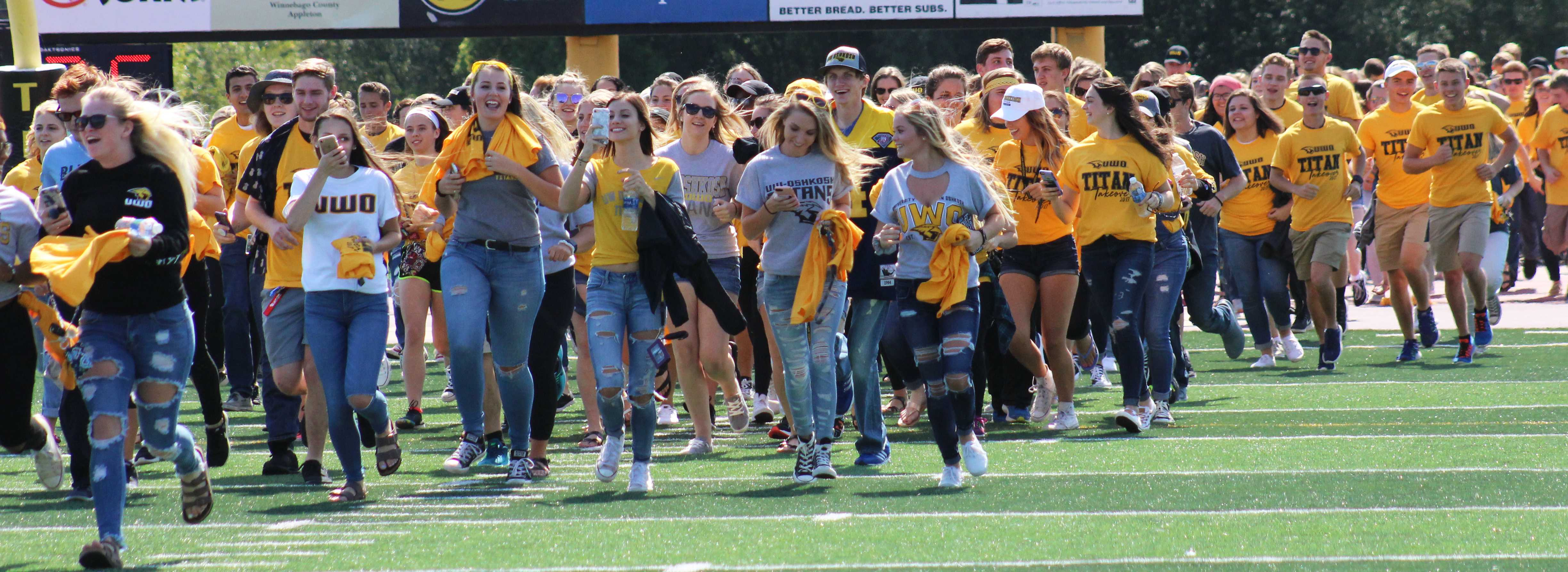 Titan Takeover eases new students into campus life