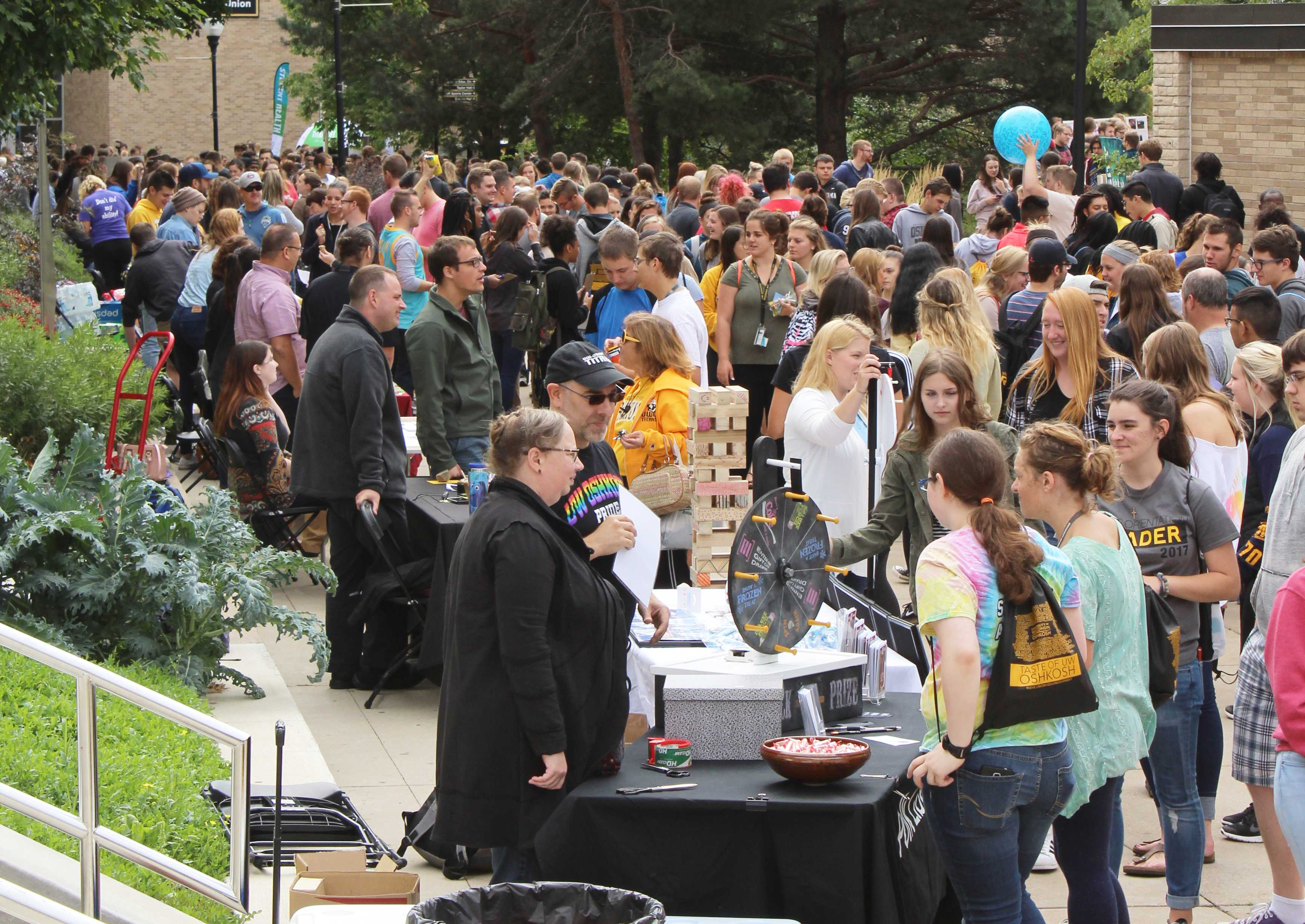 Taste of Oshkosh allows students to explore campus opportunities
