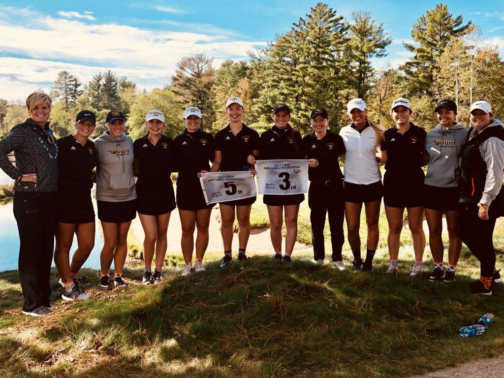 The team poses for a photo after playing in the Mad Dawg Invitational on Sept. 30 through Oct. 1. Oshkosh lost a tie-breaker to the UW-Whitewater Warhawks and fell to third in the tournament.