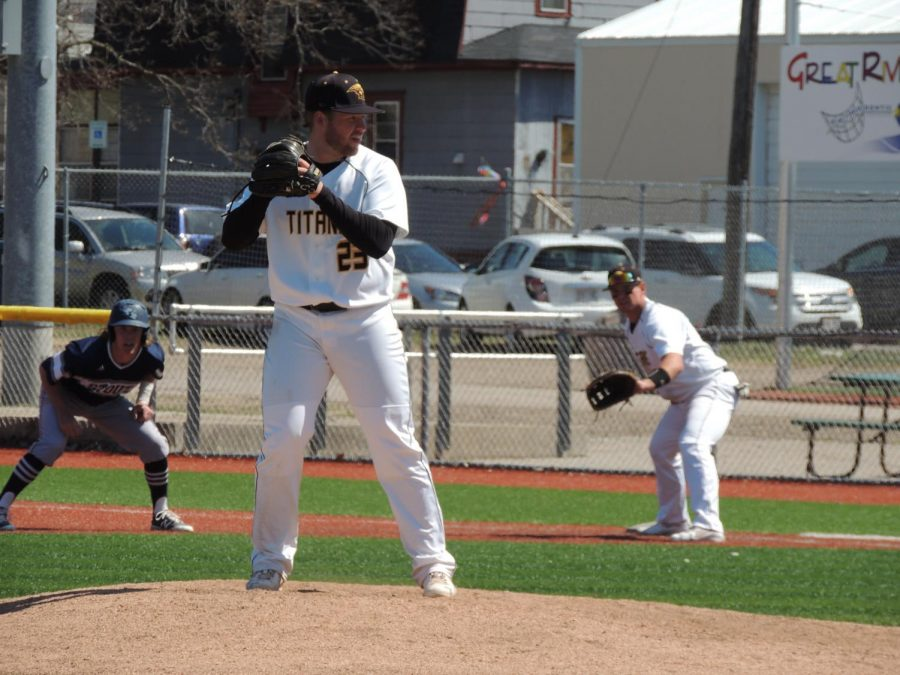 Senior pitcher Jesse Sustachek threw nine innings while surrendering 14 hits, two earned runs, one walk and six strikeouts.
