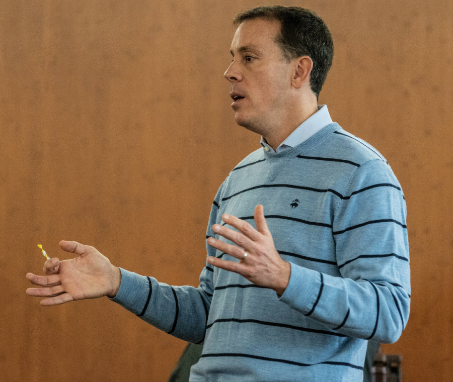 Axios CEO Jim VandeHei makes a point during his Department of Journalism keynote address.