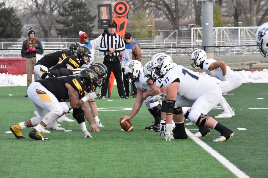 UWO+matches+up+against+UW-Stout+at+the+line+of+scrimmage+en+route+to+a+victory+in+the+season+finale.