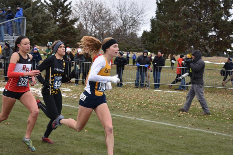 Evlyn Noone runs to a 52nd place at the Division-III Championship.
