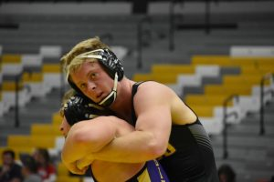 Titans defeat Blugolds to open WIAC play