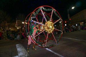 Oshkosh parade kicks off holiday season