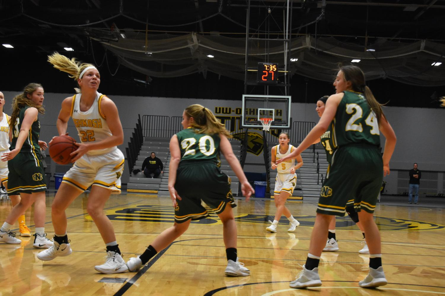 UWO's Melanie Schneider posted a career-high tying 17 points and five rebounds.