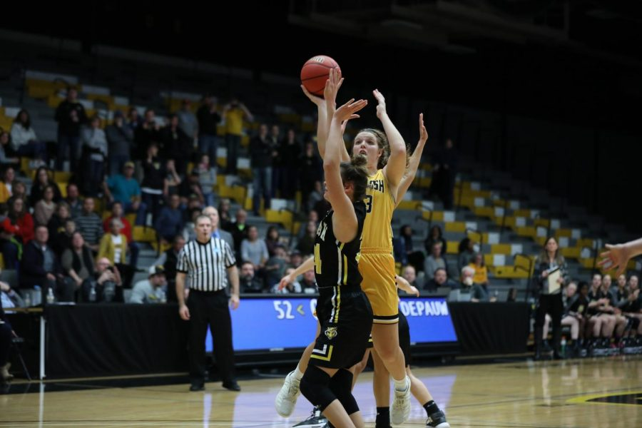 UWO Sophomore Nikki Arneson scores the game-winning basket with 1.3 seconds remaining in the game.