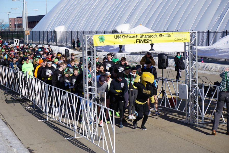 Clash+leads+all+750+runners+at+the+start+of+the+12th+annual+Shamrock+Shuffle+held+on+the+UW+Oshkosh+campus.+Proceeds+from+the+12th+Annual+Shamrock+Shuffle+benefit+the+Oshkosh+Area+United+Way%2C+the+UWO+Police+Department+K9+Unit+and+the+Student+Recreation+and+Wellness+Scholarship+Fund.