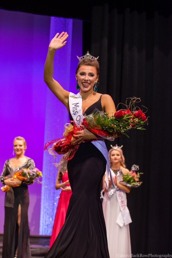 Junior Katrina Mazier thanks the crowd moments after winning the Miss Oshkosh competition.