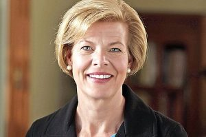 Tammy Baldwin helps reduce student debt relief scams