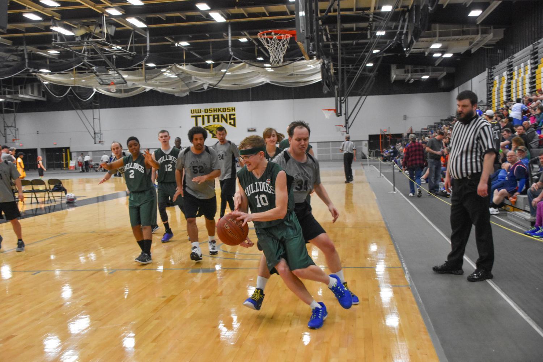 The Walworth Bulldogs compete against Hopp Alumni at Kolf Sports Center.