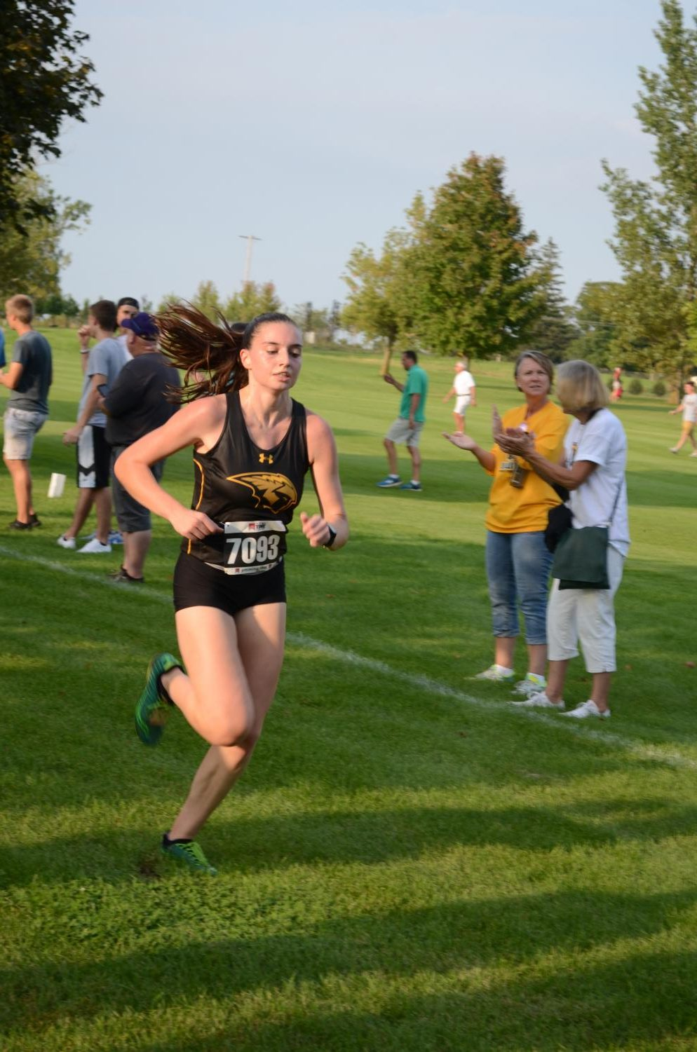 Junior Hannah Lohrenz won the women's 6K at the Titan Fall Classic with a time of 23:45.2.