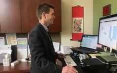 Business professor gains U.S. Citizenship