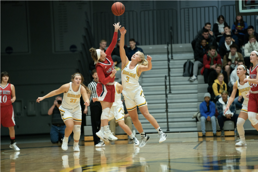 Women's basketball shoots to impress in home-opener game