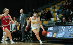 Women's basketball rolls over Alma, Lawrence